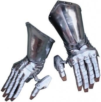Get Dressed For Battle Articulated Steel Gauntlets BRK-GB3943